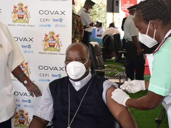 Archbishop Luke Thomas Msusa getting COVID-19 vaccination