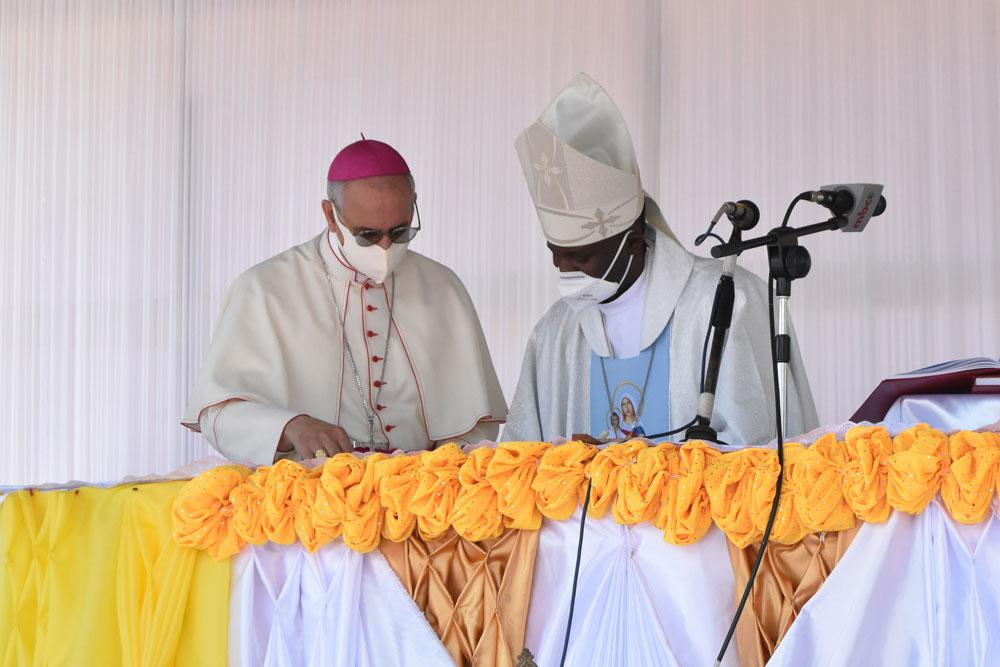 bishop peter chifukwa with apostolic nuncio Gianfranco Gallone